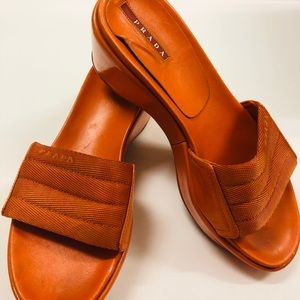 🧡Prada Slippers/slides🧡